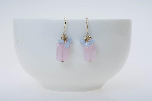 Baby pink glass & blue glass cluster ベビーピンクガラス&ブルーのガラスクラスター