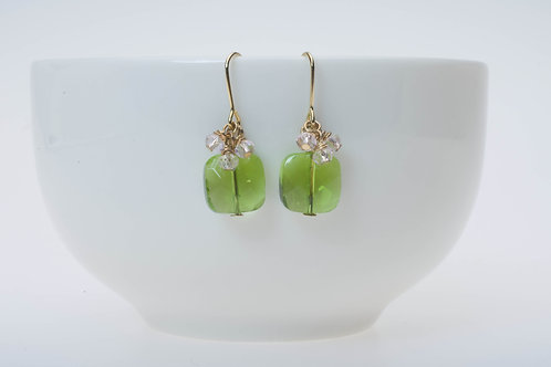 Green glass & soft pink glass cluster 緑のガラス&ソフトピンクガラスのクラスター