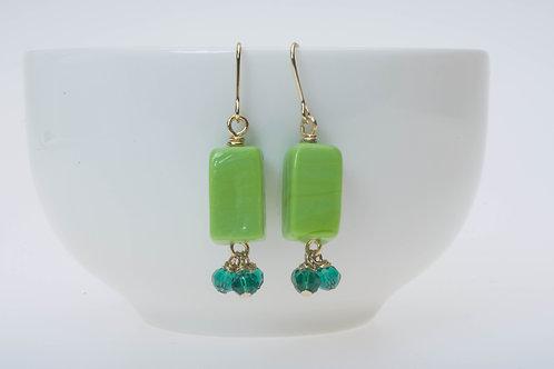Green box glass & green tassel beads 緑のボックス型のガラス&緑のタッセルビーズ