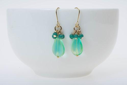 Teardrop emerald green glass & dark green glass cluster エメラルドグリーンティアドロップ&緑のクラスター