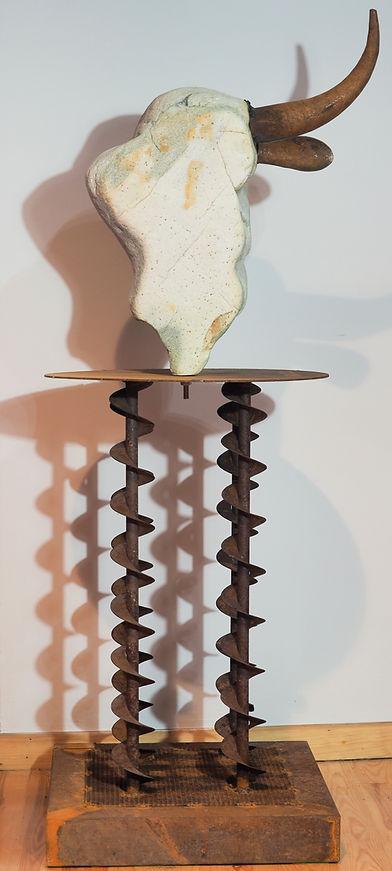 Escultura Lolo Zapico cabeza de vaca