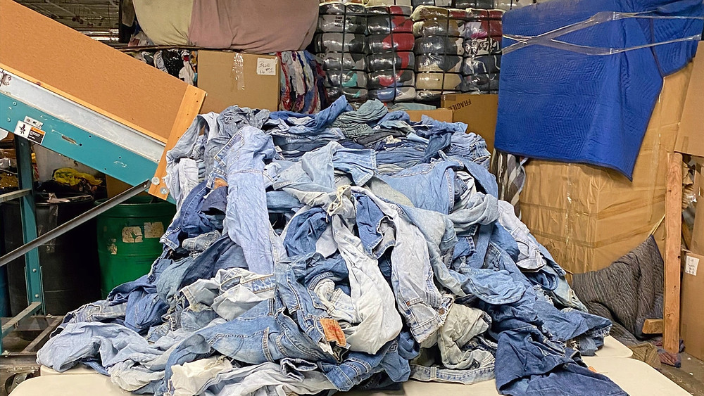 second-hand jeans at the raghouse