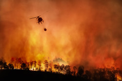 Fire fighting helicopter carry water buc