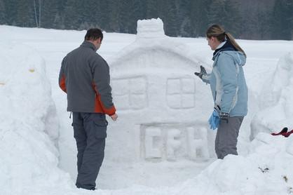 stavba-zo-snehu.JPG