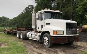 Mack 3004.JPG