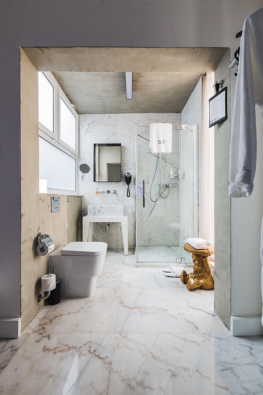 single bed suite valletta
