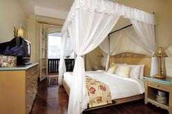 Colmar Tropical Resort فندق كولمار تربيكال بوكيت تنجى.