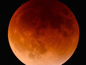 Lunar Eclipse + A note about Astro movements