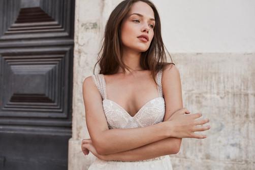 Anna Kara- JAY