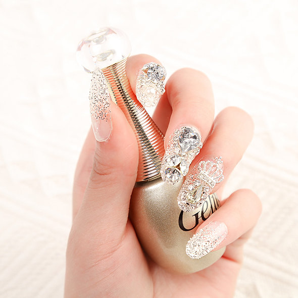 Christine's Glamorous Press On Nails
