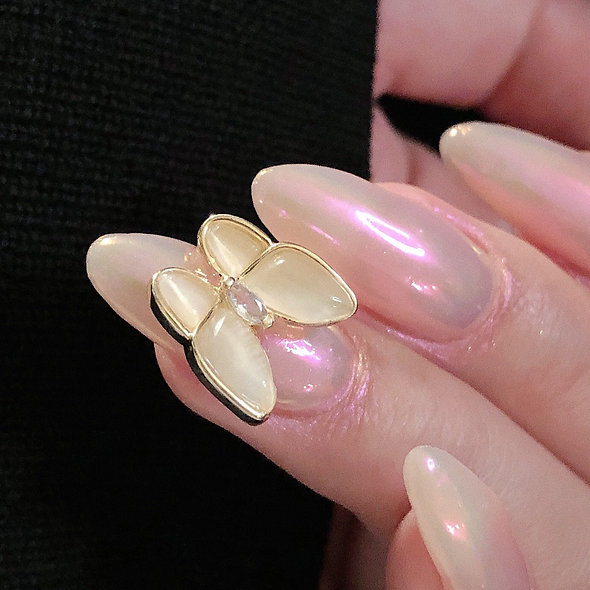 Sharon's Glamorous Press On Nails