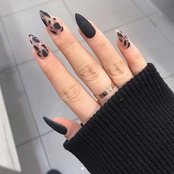 Helen's Glamorous Press On Nails