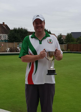 Taff and Donna retain 2 wood titles