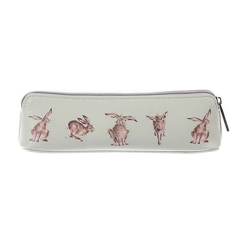Hare brush/pencil case
