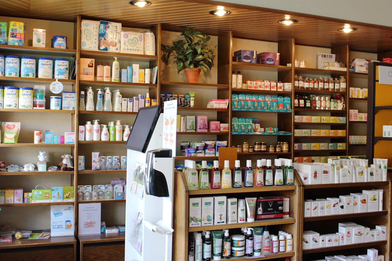 interieur1_pharmacie_leytron.jpg