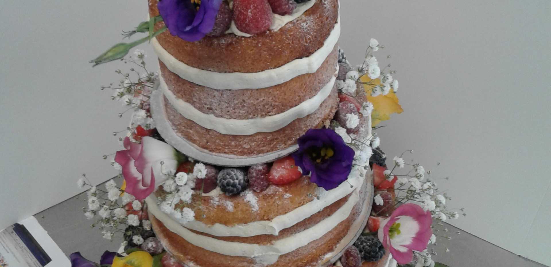 weeding naked cake.jpg