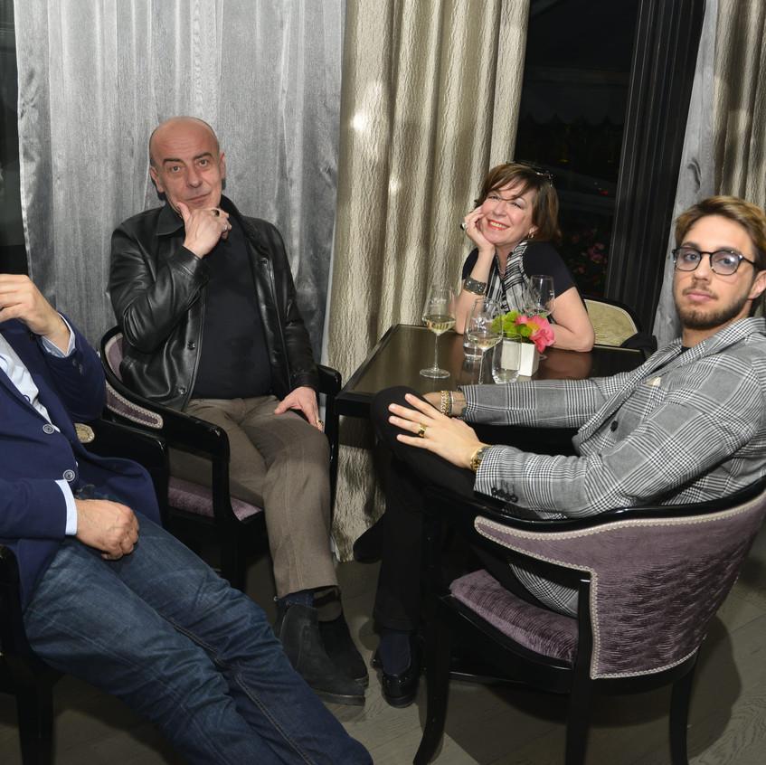 Ivan Damiano Rota con la moglie e gli amici-min