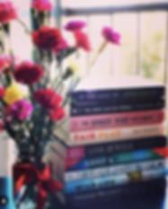 Booktrovert girl instagram.png