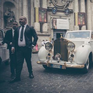 Hochzeitsauto auf der Hochzeit in Rom