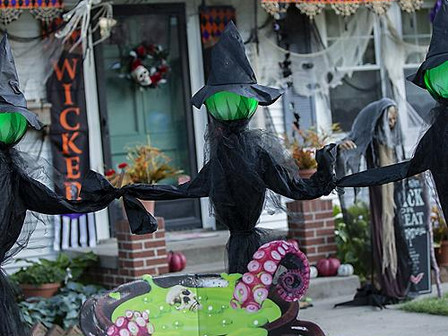 It's Halloween House Decorating Contest Time!