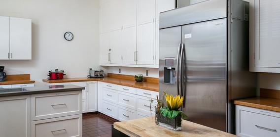 Kitchen Fridge / Counter space