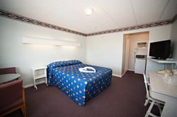 Single Room Queen Bed