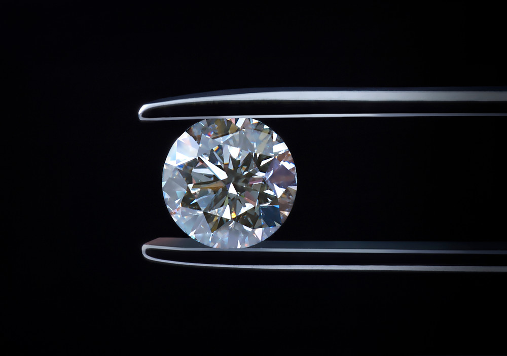 Round Diamond Cut to show Dazzling Sparkle