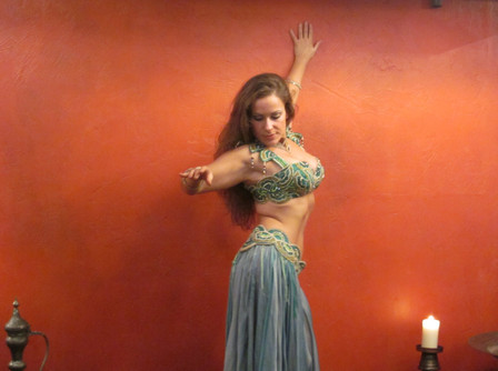 Claudia Massera Medanz belly dance