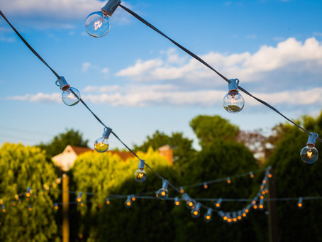 7 Mistakes To Avoid When Hosting a Backyard Wedding