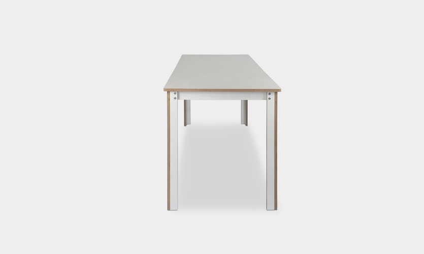 Enkelt_Table_Side