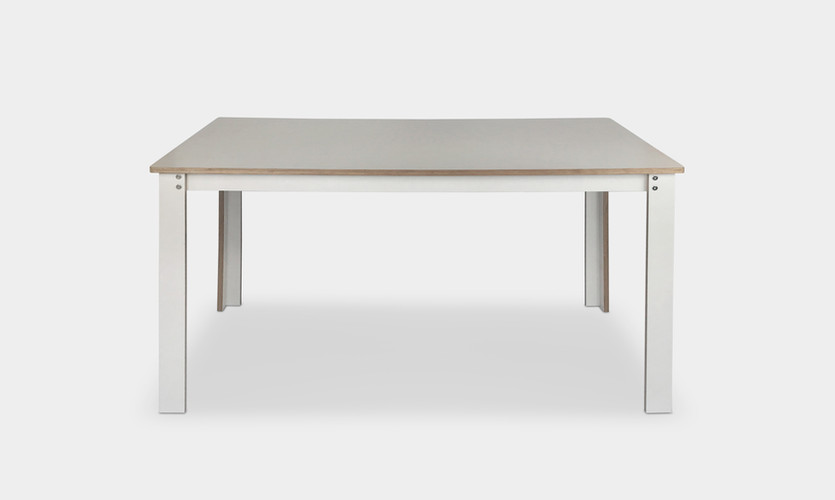 Enkelt_Table_Front