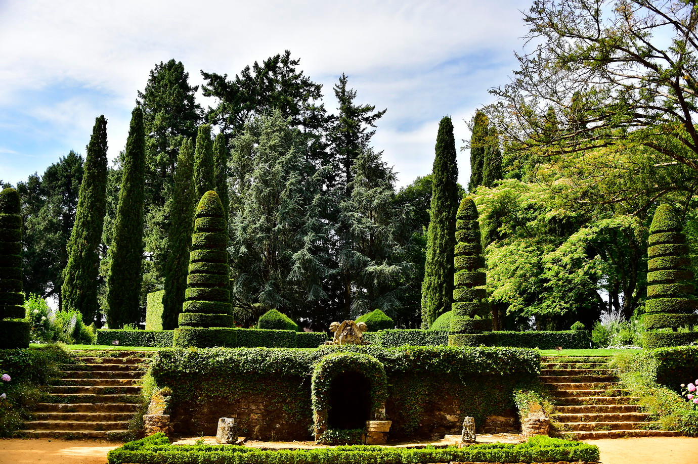 Jardins_du_Manoir_d'Eyrignac.jpg