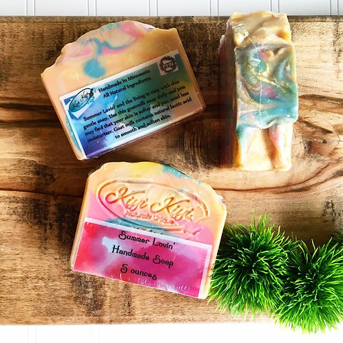 Summer Lovin' - Moisturizing Goatmilk Soap
