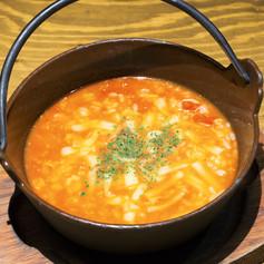 とろ〜りチーズのトマト雑炊