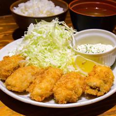 瀬戸内海産カキフライ定食