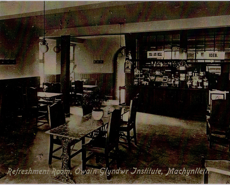 Hen lun o Caffi Alys Machynlleth.  An old photograph of Cafe Alys