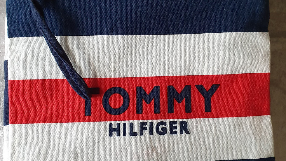 Tommy Hilfiger Pareo & Pouch - RRP £55