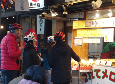 What does people say when we enter shops? お店に入るとき、私たちはなんて言われている?