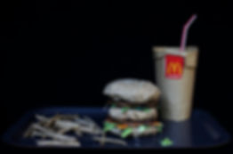 Junk Food McDonald's McDo art emballages poubelle Studio Carmin contemporain Big mac menu  frites hamburger coca cola