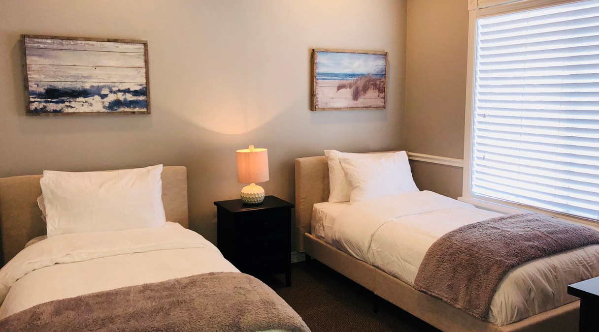WHITE SAGE GUESTS ROOM