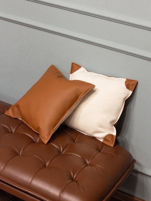 Подушка из кашемира иэко-кожи