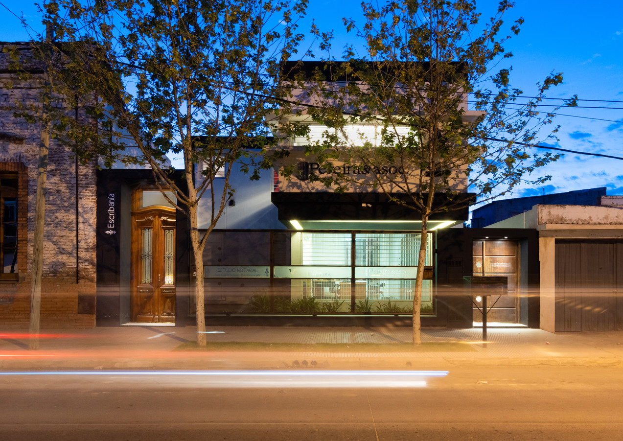 Estudio V+ Arquitectura / Pereira & Asoc. / Escribanía Reynoso