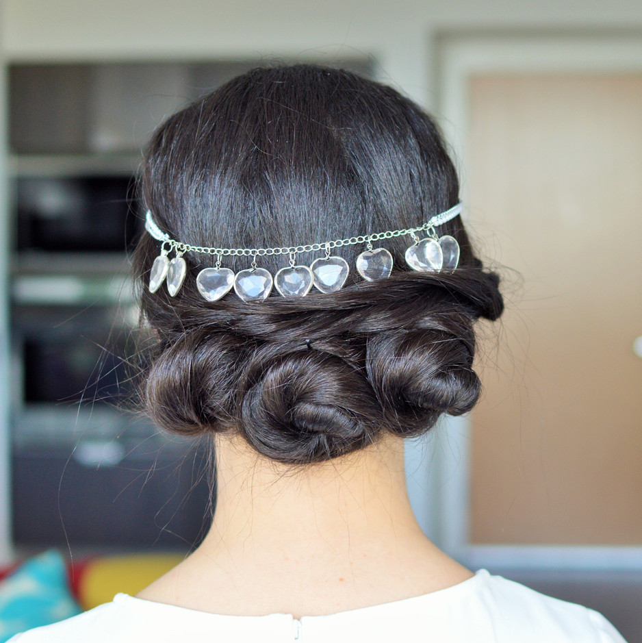 Boho-Chic Up-Do by Dilaloo