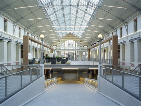 La Lumière et l'architecture: façonner les espaces intérieurs