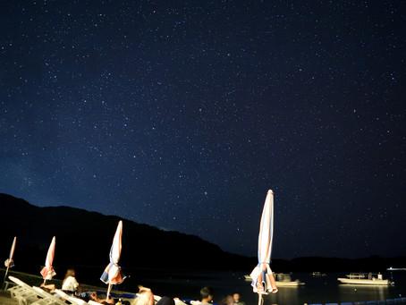 夏の夜空に満天の星。