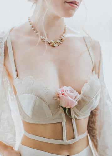 starflower-passion-boudoir-styling-flowe