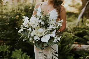 bridal bouquet keanini.jpg