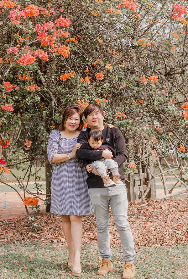 Outdoor nature floral family baby photography photoshoot