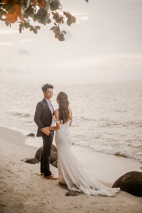 Beach nature couple wedding photography