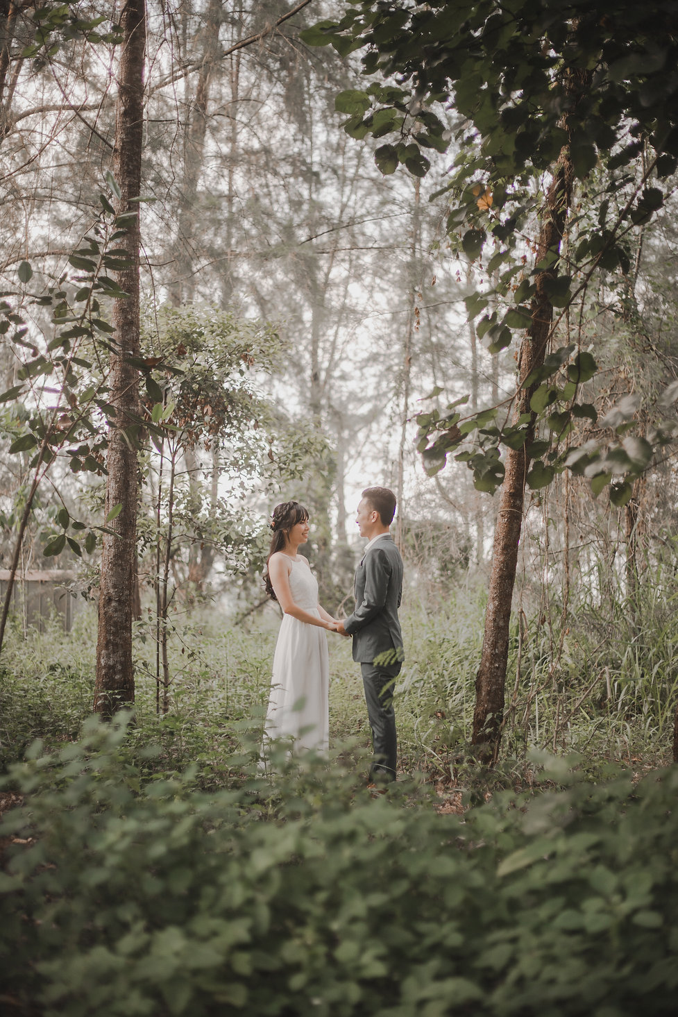 Nature outdoor forest wedding photoshoot